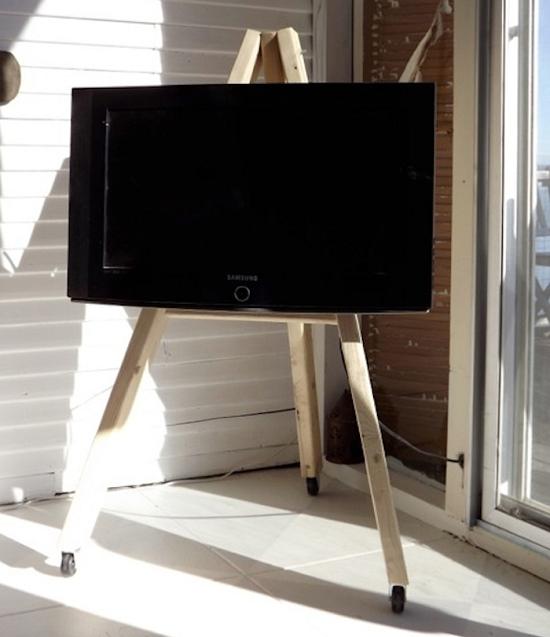Creative DIY TV Stand Ideas3
