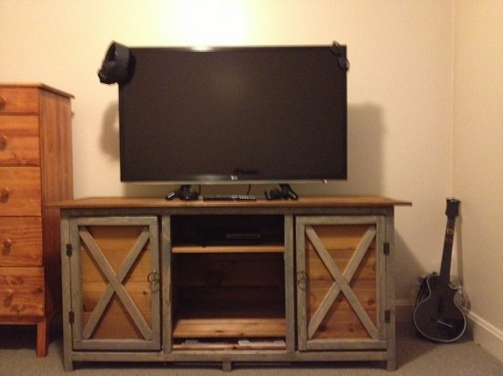 Creative DIY TV Stand Ideas6