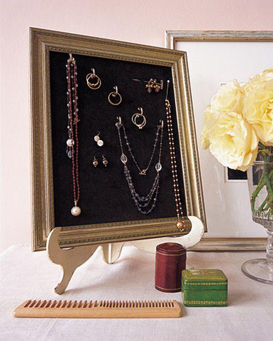 DIY Jewelry Storage1