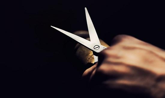 How to sharpen hair shears3