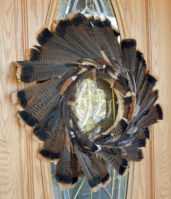 DIY Turkey Feather Decoration Ideas4