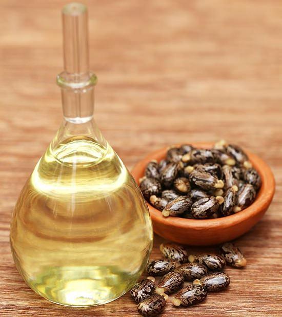 Is Castor Oil a Sealant or Moisturizer2