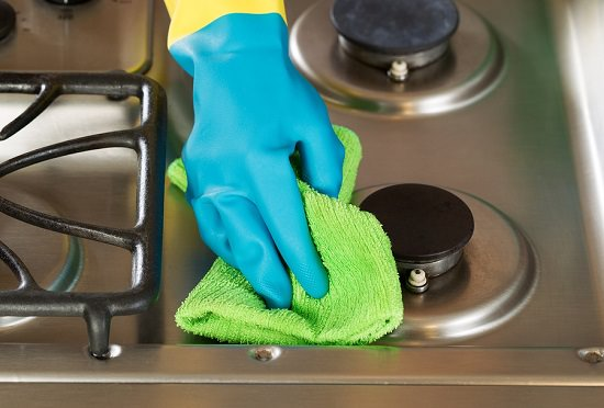 How to Clean The Stovetop With Vinegar1