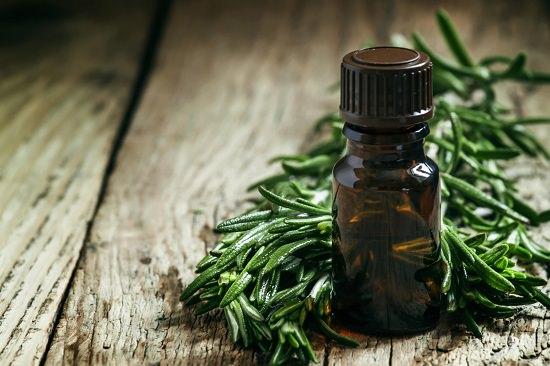 Castor Oil and Tea Tree Oil for Hair Growth3