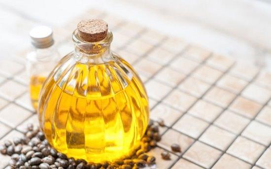 Castor Oil in Belly Button3