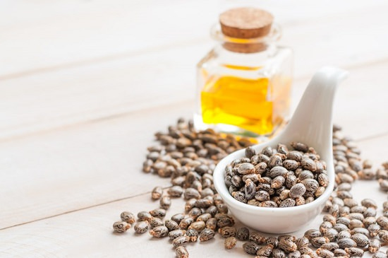 Castor Oil and Tea Tree Oil for Hair Growth2