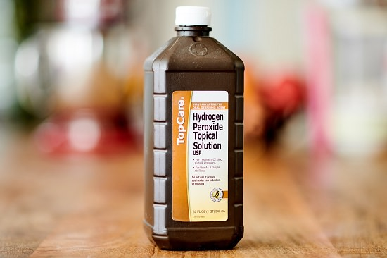 How to Clean a Burnt Pot With Hydrogen Peroxide1