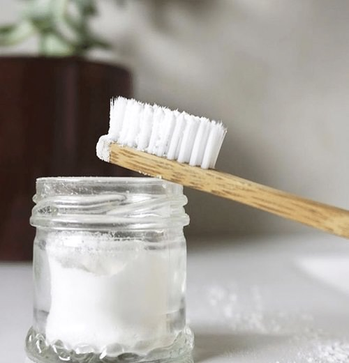 How To Remove Mold From Clothes With Baking Soda2