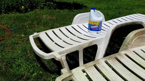 Clean Plastic Lawn Furniture