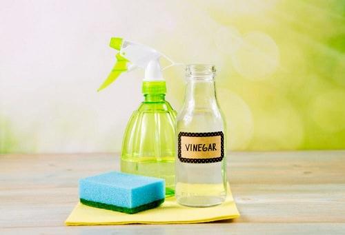 Clean Lamp Shades With Vinegar1
