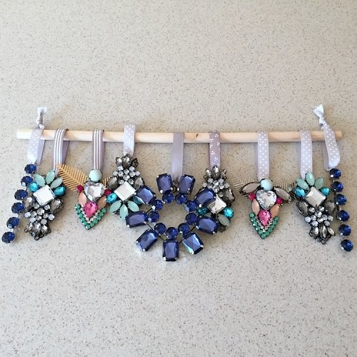 How to Clean Costume Jewelry With Baking Soda and Salt1