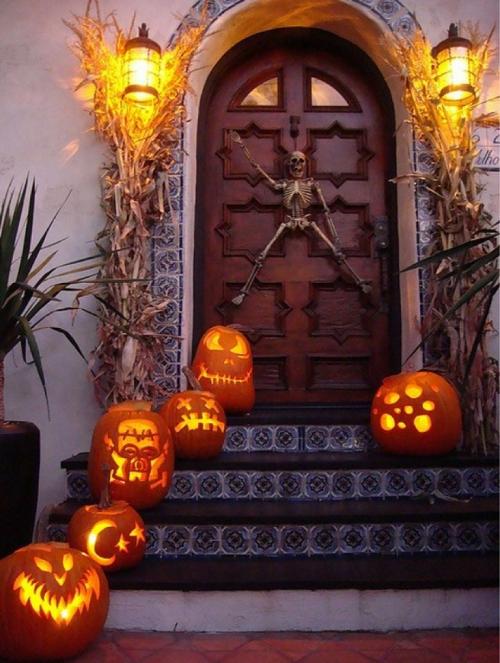 Halloween Porch Ideas13