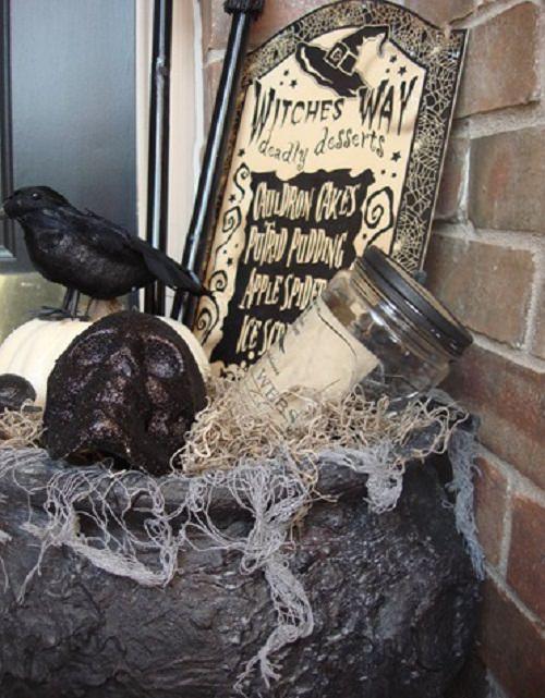 Halloween Porch Ideas22