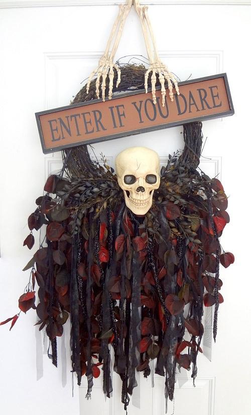 FiendishSkull Wreath