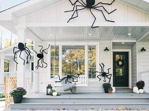 Halloween Porch Ideas15