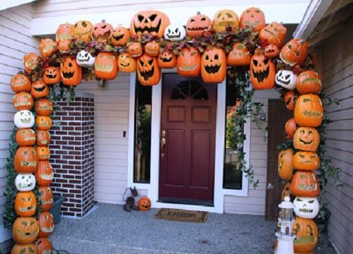 Halloween Porch Ideas17