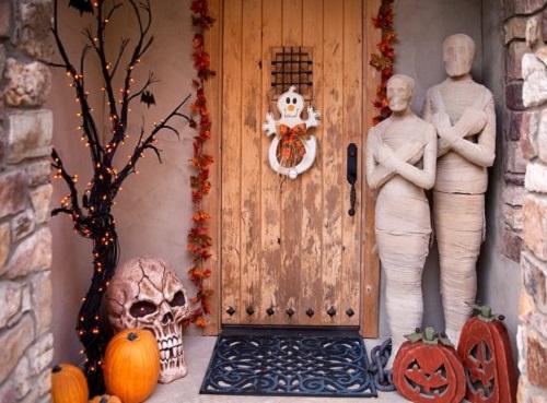 Mummies Guarding The Front Door