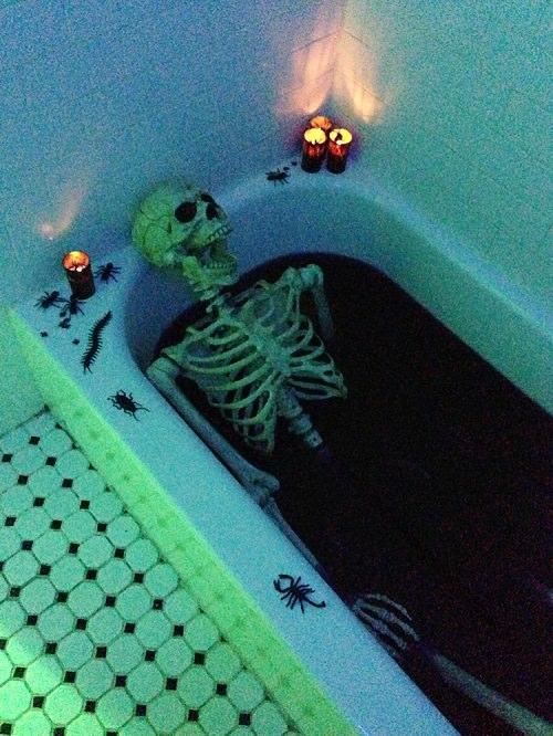 Skeleton in a Bloody Bathtub Halloween Decor