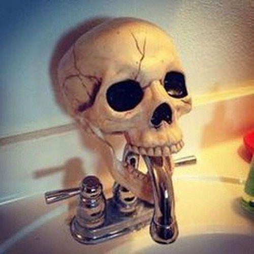 Spooky Halloween Bathroom Decorating Ideas12