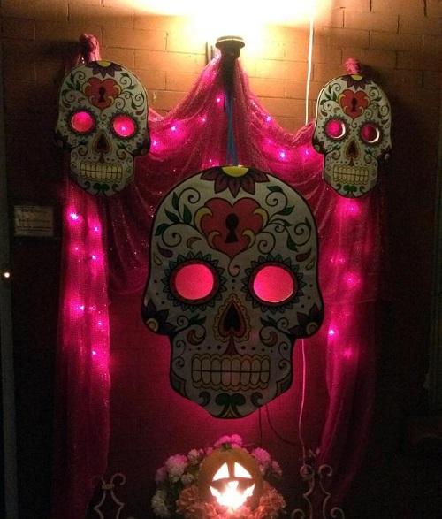 Skulls with Shiny Scary Eyes