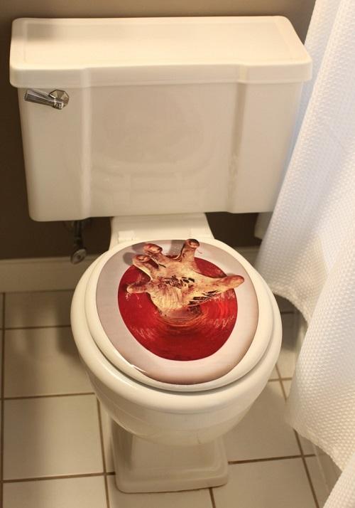 Spooky Halloween Bathroom Decorating Ideas7
