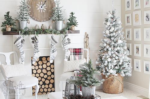 Pretty Christmas Living Room Ideas12