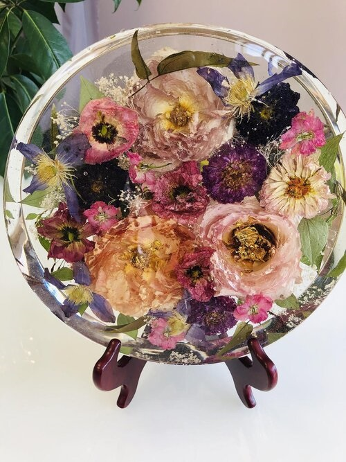 Preserving Bouquet Flowers in Resin2