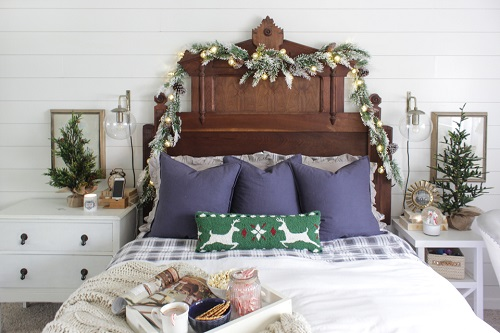 Rustic Country Christmas Bedroom Decor