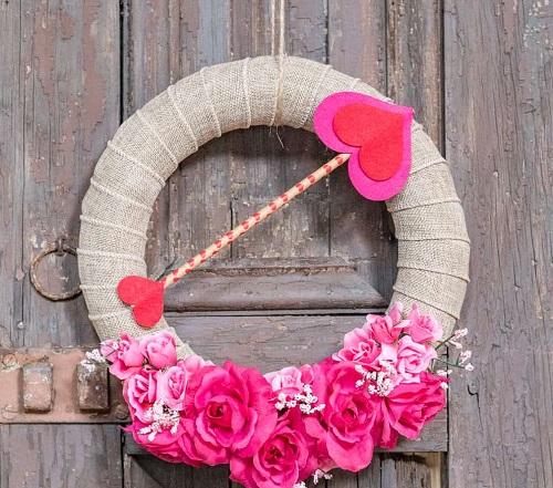 DIY Farmhouse Valentine's Day Decor Projects5