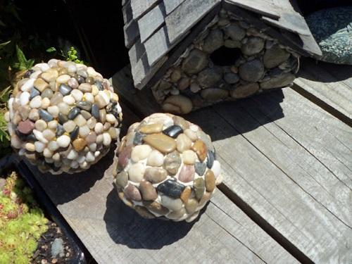 DIY Pebble Garden Ball