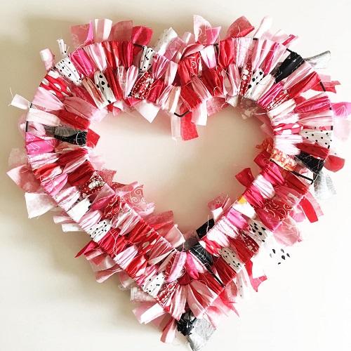 DIY Valentine Wreath10