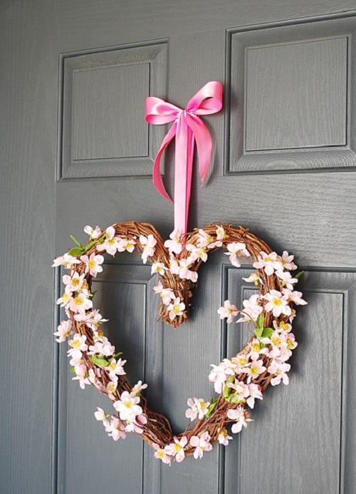 DIY Valentine Wreath13