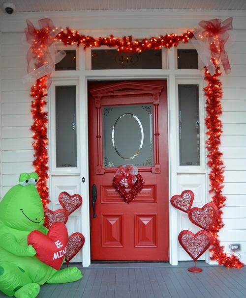 Ornamented Valentine Porch Decoration