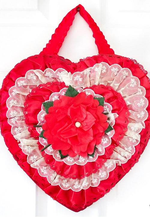DIY Valentine Wreath12
