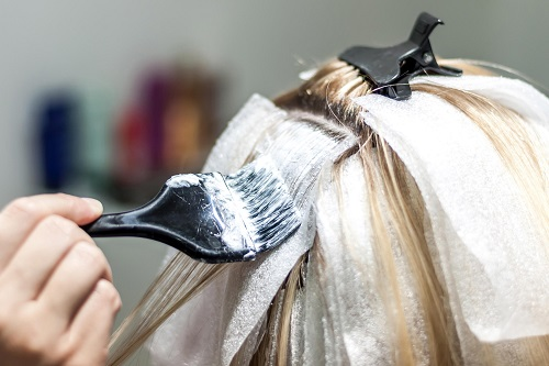 How to Bleach Hair With Hydrogen Peroxide and Baking Soda3