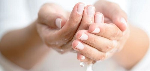 Removes Stubborn Berry Stains from Hands