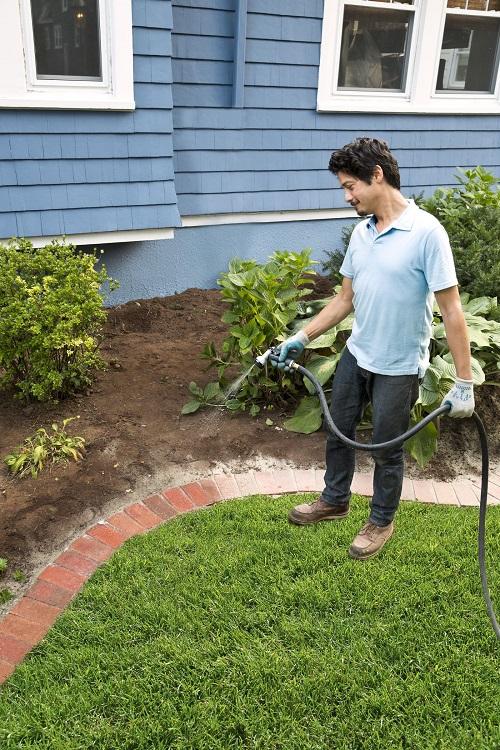 Vinegar Uses in the Garden2