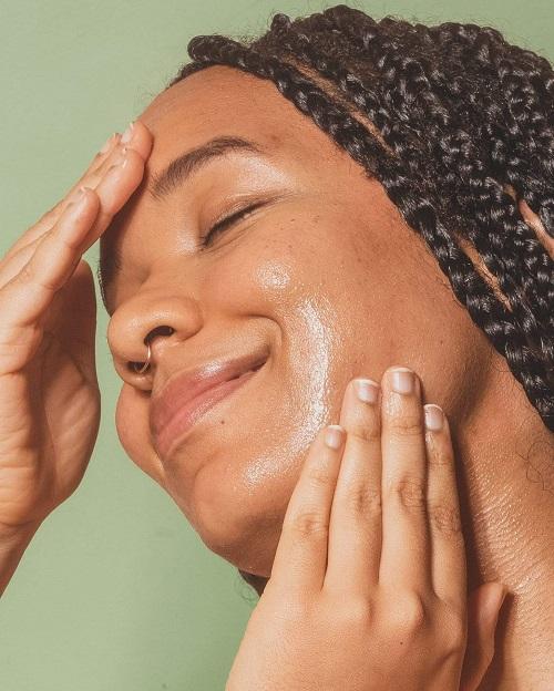 Moisturizes Dry Skin